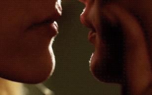 MrSkin Emma Kenney & Perry Mattfeld Share a Sensual Kiss in Shameless  WEB-DL Videoclip