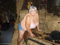 TacAmateurs GrandmaLibby – Hay Barn Photo Album  [IMAGESET/Videoclip Amateur ]