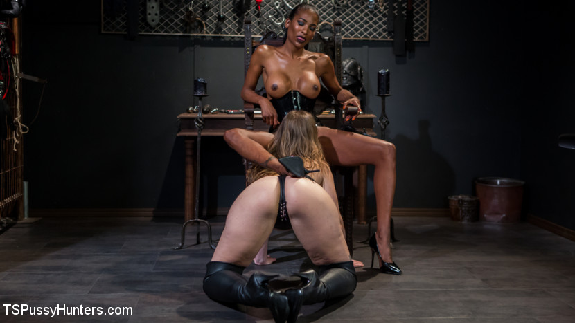 Kink.com tspussyhunters Natassia Dreams' Slutty Leather Sex Kitten, Ella Nova  WEBL-DL 1080p mp4