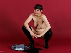 TacAmateurs HotMilf – Hotpants & Transparent Blouse Photo Album  [IMAGESET/Videoclip Amateur ]