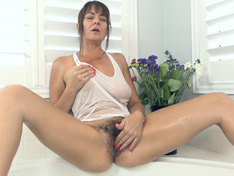 WeareHairy.com Elexis Monroe oils up her body and plays in a tub  Video 1089p Hairy Closeup