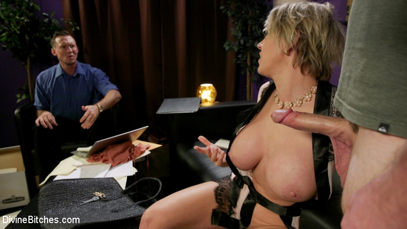 Kink.com divinebitches Couple's Cuckold Conundrum  WEBL-DL 1080p mp4