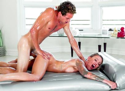 Familysexmassage Isabelle Deltore in Stepson Surprise!  Siterip 1080p h.264 Video FameNetwork