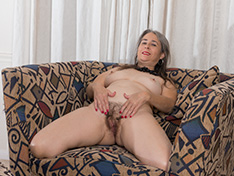 WeareHairy Jamie Jamie strips naked while in her favorite armchair WEB-DL 720p Hairy/Unshaved/Natural