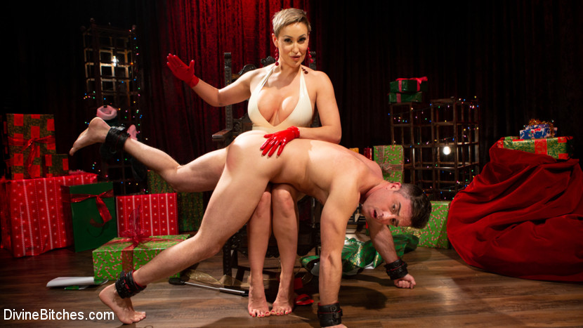 Kink.com divinebitches Holiday Tribute: Ryan Keely receives new toy Lance Hart  WEBL-DL 1080p mp4