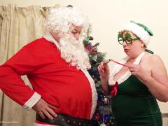 TacAmateurs DirtyDoctor – The Naughty Elf Pt1 HD Video  [IMAGESET/Videoclip Amateur ]