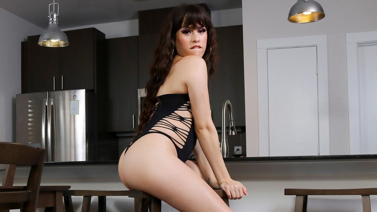 Groobygirls Stunning Erin Alexiss!  Tranny XXX Siterip