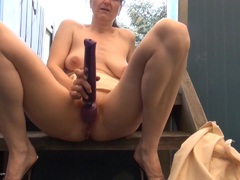 TacAmateurs HotMilf – Relaxing Outside HD Video  [IMAGESET/Videoclip Amateur ]
