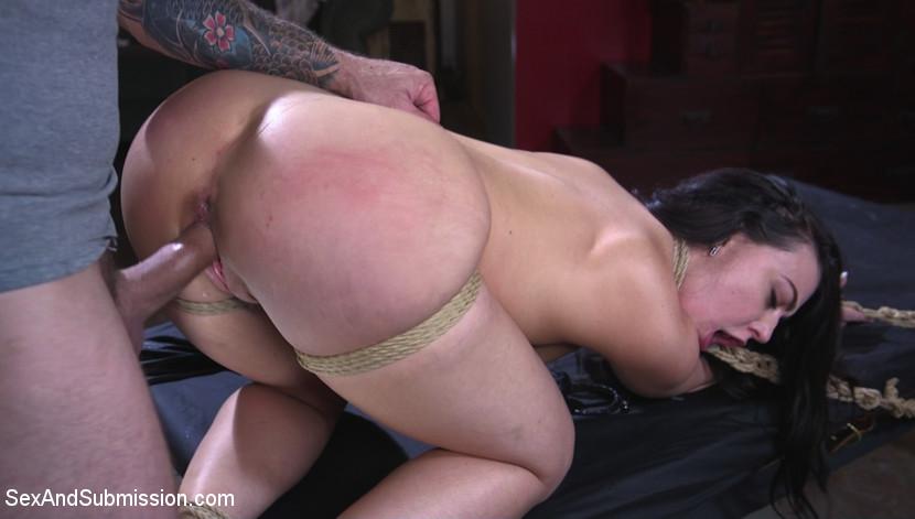 Kink.com sexandsubmission Anal Heist  WEBL-DL 1080p mp4