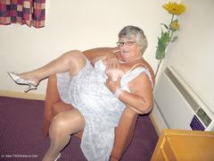 TacAmateurs GrandmaLibby – Excited & Horny Photo Album  [IMAGESET/Videoclip Amateur ]