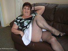 TacAmateurs KinkyCarol – White Frilly Mini & Fishnets Pt1 Photo Album  [IMAGESET/Videoclip Amateur ]