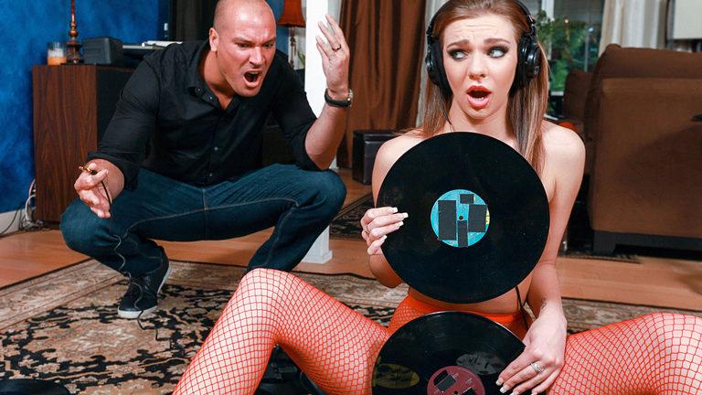 Teens Love Huge Cocks Vinyl Vixen – Tiffany Watson  [SITERIP Realitykings.com 720p MP4]