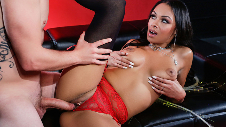 Round and Brown Sexual Glow – Bethany Benz  [SITERIP Realitykings.com 720p MP4]