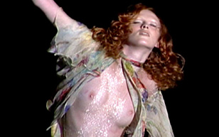 MrSkin Karen Elson's Rack in the Doc McQueen  WEB-DL Videoclip