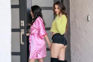 Share My BF Natalie Brooks, Sofie Reyez – Peeping Tom Hits the Jackpot  [MOFOS NETWORK SITERIP 1080p mp4]