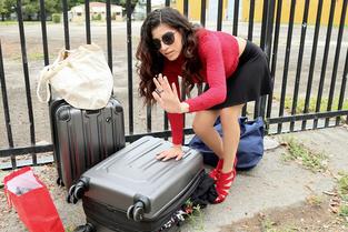 Stranded Teens Gabriela Lopez – Leaving Her Baggage Behind  Web-DL Multimirror mp4 GROUP