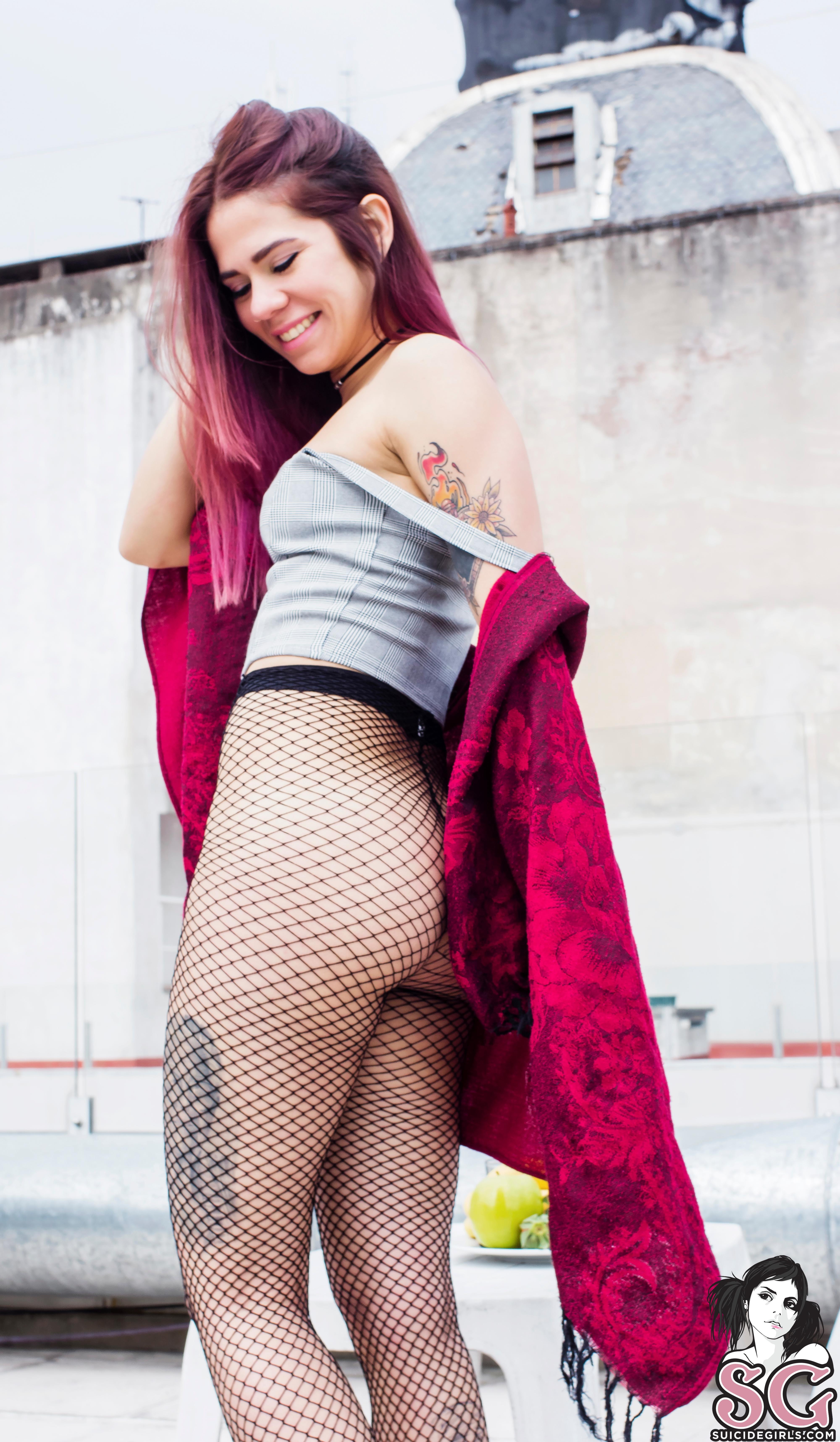 Suicidegirls Nude On Top  Siterip  Imageset 5200px  Multimirror