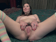 WeareHairy.com Ophelia Jones orgasms in bed with her vibrator  Video 1089p Hairy Closeup