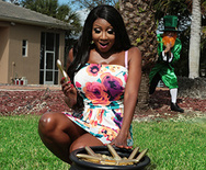 Real Wife Stories A Pot of Golden Dildos – Diamond Jackson – 1 March 15, 2019 Brazzers Siterip 2019 WEB-DL mp4 SPINXSHARE