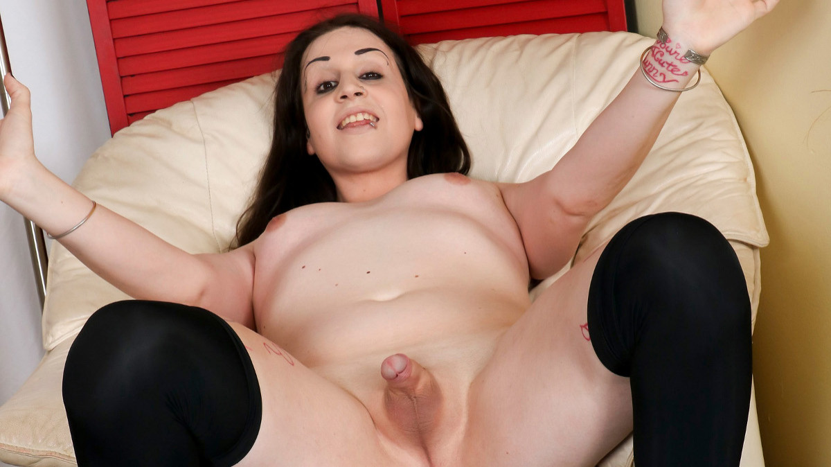 Groobygirls Try Out Tuesday: Laura Pichon!  Tranny XXX Siterip