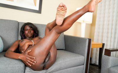 TGirl40 Sweet Cinnamon Plays Her Cock!  Shemale XXX WEB-DL Groobynetwork