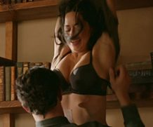 MrSkin Jeanine Mason's Out of Sight Bra Scene in Roswell, New Mexico  WEB-DL Videoclip