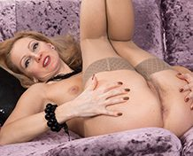 WeareHairy Foxy Foxy strips naked after she plays pool WEB-DL 720p Hairy/Unshaved/Natural