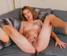 TGirl40 Sofia Reaches A Hot Climax!  Shemale XXX WEB-DL Groobynetwork