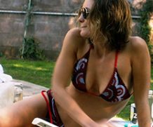 MrSkin Leila George's Tight Bod in a Bikini in Animal Kingdom  WEB-DL Videoclip