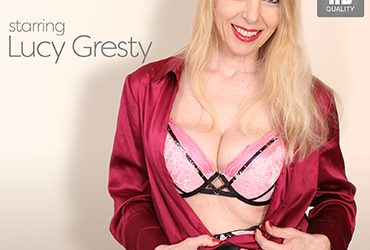 MATURE.NL update   13403 big breasted milf lucy gresty is taking of her blouse and getting very horny  [SITERIP VIDEO 2019 hd wmv 1920×1200]