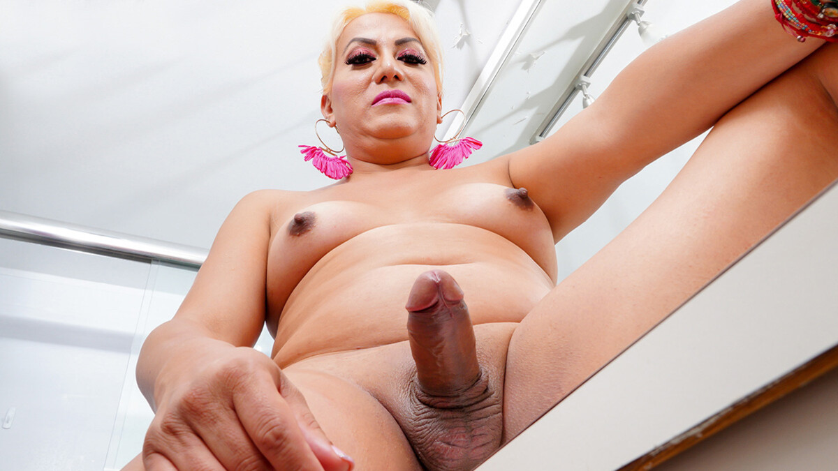 TGirl40 Bathroom Play With Veronica!  Shemale XXX WEB-DL Groobynetwork Siterip RIP