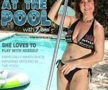 MATURE.NL update   13533 naughty granny demi playing with herself at the pool  [SITERIP VIDEO 2019 hd wmv 1920×1200]
