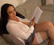 Downblousejerk Sophia Delane Reading Wank  SITERIP Downblousejerk