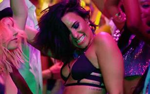 MrSkin the Trending Singer's Best Scenes  WEB-DL Videoclip