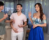 Mommy Got Boobs What Are You Doing To My Friend!? – Lexi Luna – 1 October 22, 2019 Brazzers Siterip 2019 WEB-DL mp4 SPINXSHARE