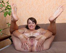 WeareHairy Animee Animee slides off her white skirt on her couch [FULL PICSET Highres WEBRIP]