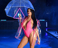 Brazzers Exxtra Neon Rain – Romi Rain – 1 November 27, 2019 Brazzers Siterip 2019 WEB-DL mp4 SPINXSHARE
