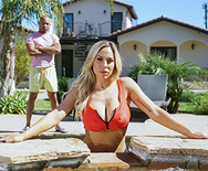 Brazzers Exxtra Poolside Fucking – Olivia Austin – 1 December 05, 2019 Brazzers Siterip 2019 WEB-DL mp4 SPINXSHARE