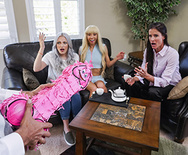 Brazzers Exxtra Peen-ata Pounding – Kenzie Reeves – 1 December 23, 2019 Brazzers Siterip 2019 WEB-DL mp4 SPINXSHARE