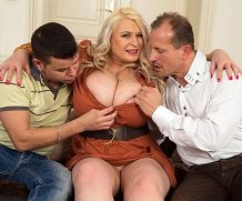 XLGIRLS 2 Blokes For Sammy – Samantha Sanders  Siterip BBW WEB-DL h.265 NYMPHO
