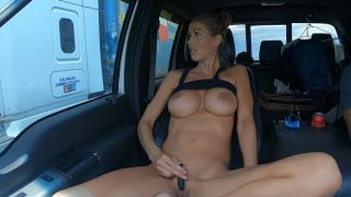HOLLYHOTWIFE HOLLYHOTWIFE in Highway Trucker Flashing [ MANYVIDS ]  WEB-DL 1080p Siterip Video mp4