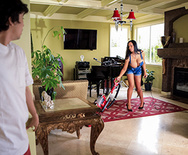 Mommy Got Boobs Nip Slip-Up – Sybil Stallone – 1 January 29, 2020 Brazzers Siterip 2019 WEB-DL mp4 SPINXSHARE