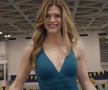 MrSkin Molly Griggs' Hot Swimsuit Scene in Servant  WEB-DL Videoclip