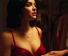 MrSkin Lucy Hale's Cleavage in in Katy Keene  WEB-DL Videoclip