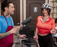 Brazzers Exxtra Easy Ride-Her – Gabbie Carter – 1 March 27, 2020 Brazzers Siterip 2019 WEB-DL mp4 SPINXSHARE
