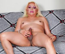TGirl40 Veronica Gets Herself Off!  Shemale XXX WEB-DL Groobynetwork