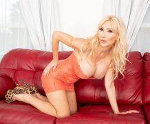40somethingMag Victoria DPs herself – Victoria Lobov  WEB-DL wmv  XXX.RIP by Score