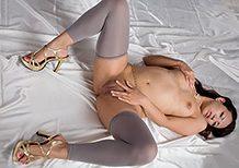 Legsjapan Misato Kagawa Gray Leggings Liquid Masturbation  WEBRIP Video h.265 Multimirror