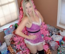 HousewifeKelly Christmas With Kelly  SITERIP XXX  Vid + Images