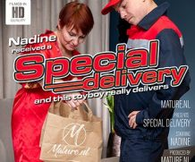 MATURE.NL Mature got a special delivery from a toyboy  [SITERIP VIDEO 2020 hd wmv 1920×1200]